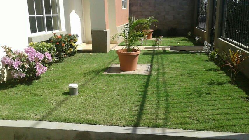 New House Near City Center - Managua - Haus