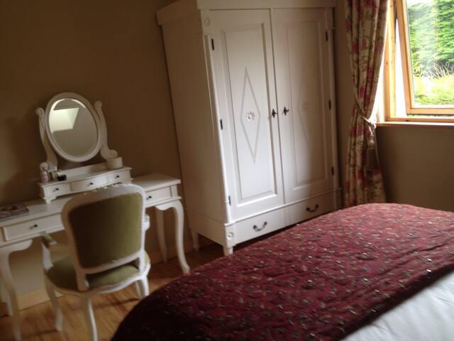 Double Bedroom - View 3