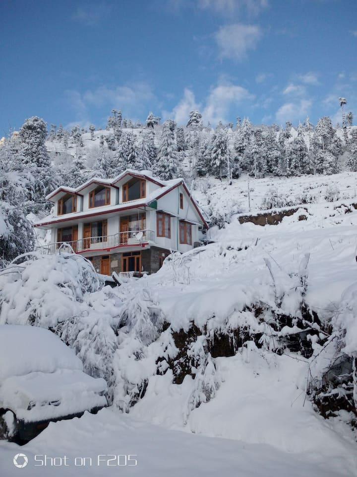 6 Deluxe Rooms/Entire Himachali Home/Kufri(Shimla)