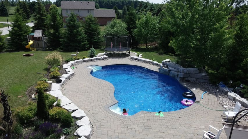 Summer Family Vacation Backyard Resort ! Gorgeous