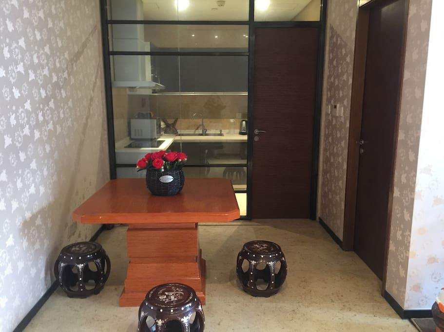 饭厅也可以当工作台