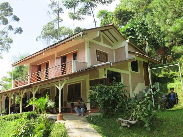 Villa Lingga Ciwidey