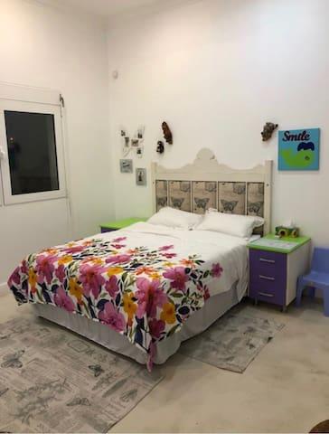 This is the third bedroom en suite