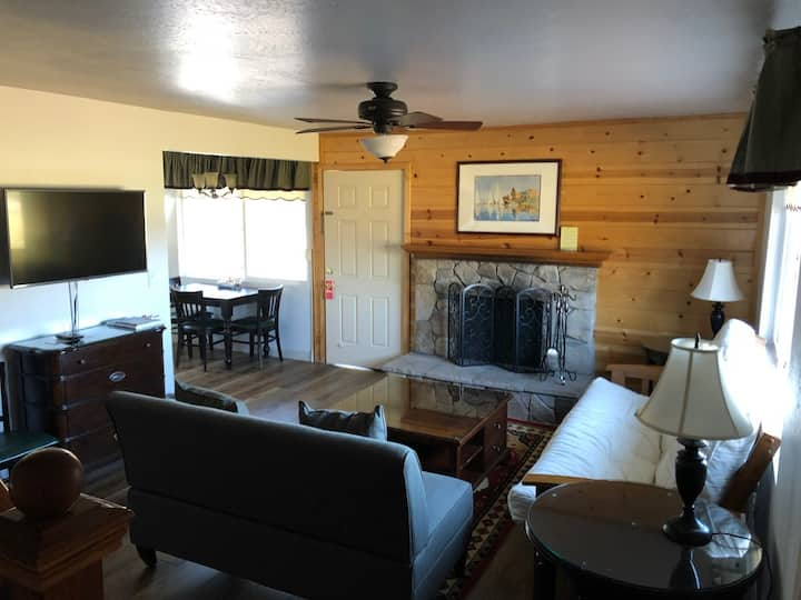 Cozy Cabin — Great for a Group!