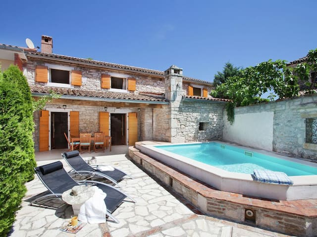 Istrian villa with private pool
