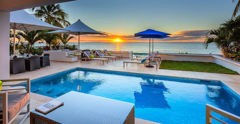 Luxury beachfront 6-bedroom villa with pool