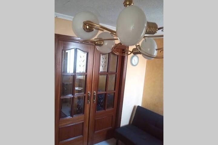 Habitación individual con armario empotrado. - Madrid - Byt
