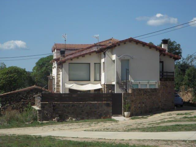 Estancia para inquietos y creativos - Rollamienta - Casa