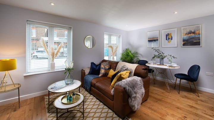 Stylish luxe apartment in Arundel