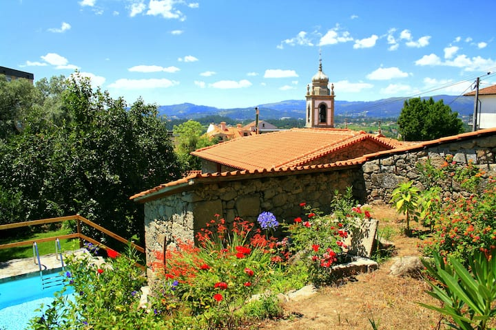 Rural style house located at the center of Caldelas village