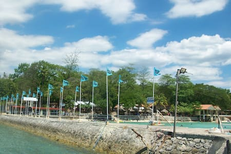 Clean, spacious Cozy - Island Garden City of Samal