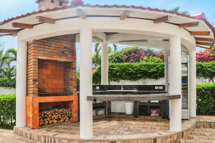 BBQ & kitchen