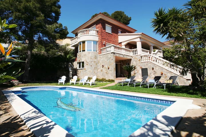 Villa Lotus, villa in Calafell with private pool - Calafell - Hus