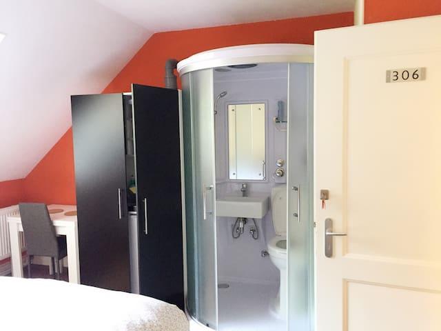 Motel Orient Palace chambre 306