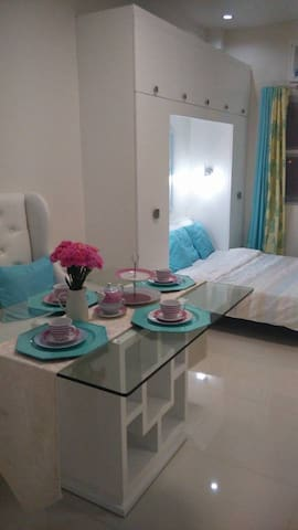 Transient room in Taguig City - Taguig - Bed & Breakfast