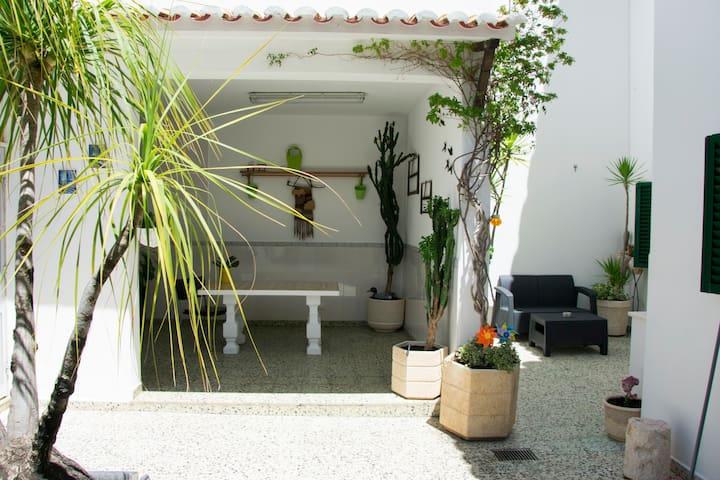 Casa Aurora, 1 bedroom in Lagos, near the center