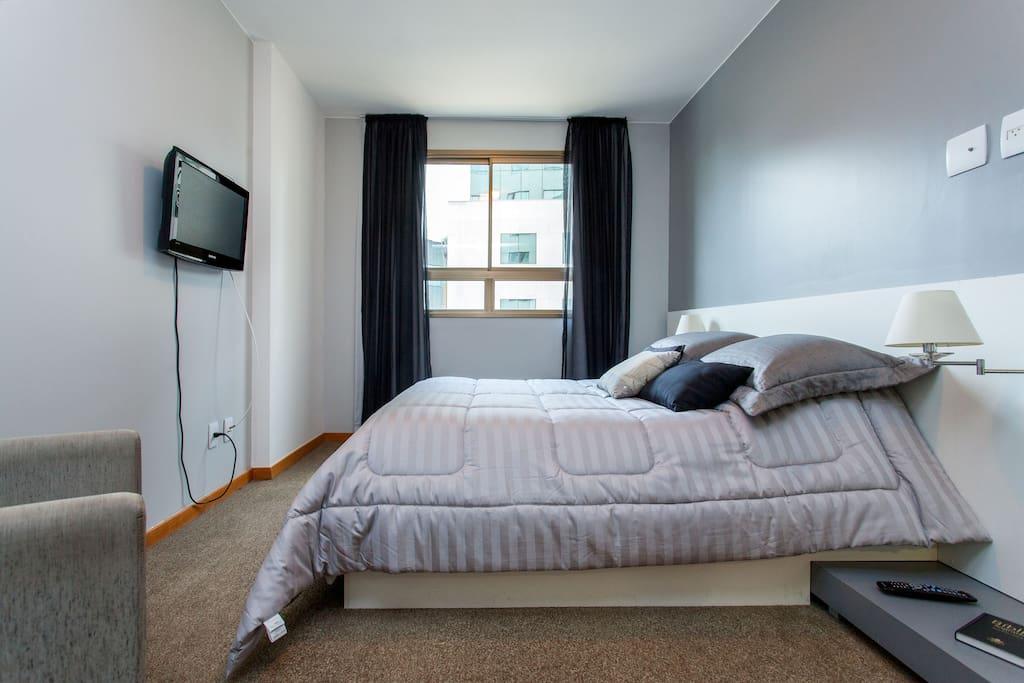 Comodidade e conforto no quarto de casal