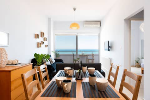 Sea view ON BEACH apartment in Ammoudara Heraklion