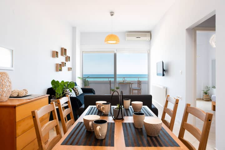 Sea view ON BEACH apartment in Ammoudara Heraklion
