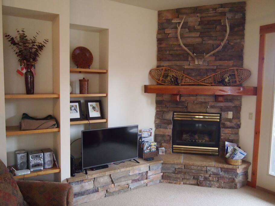 Rock fire place with Gas insert