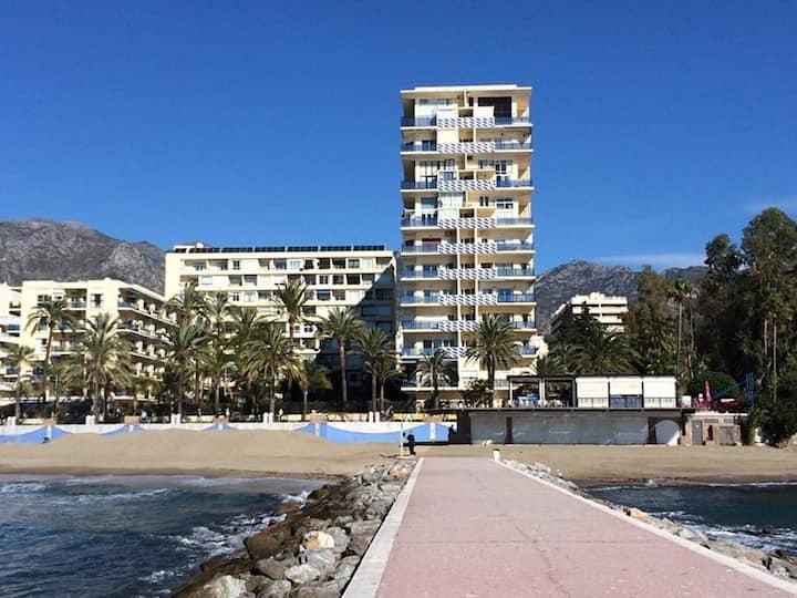 Skol 603A central beachfront loft views WIFI