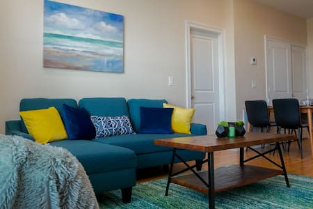 🔥CLOSE 2 SHORE❤️ | SLEEPS 4 W/ BEACH VIEWS