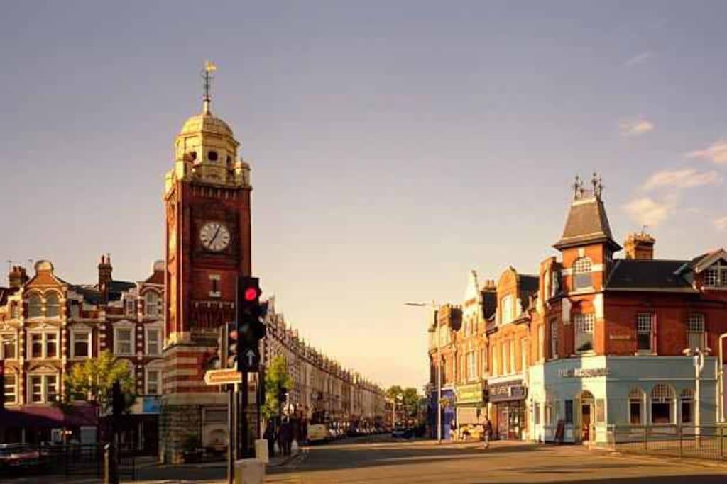 Town Centre 5 mins walk away