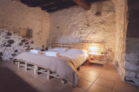 "Bedroom ""La Fresca"" with swimming-pool"