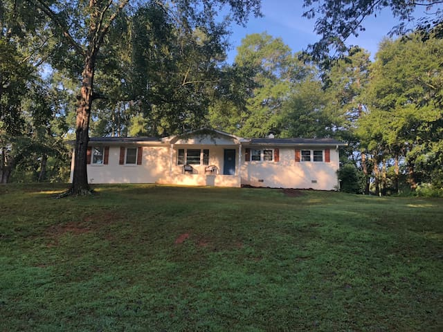 3 bed/2 bath Home close to Clemson