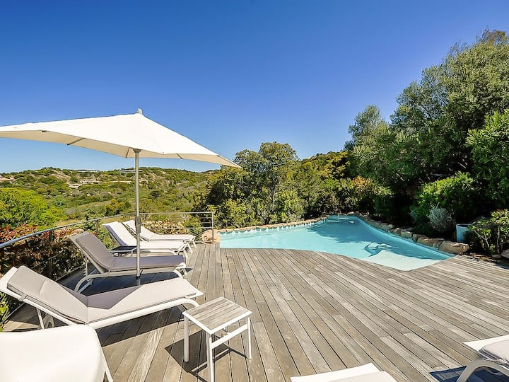 Villa en pierre avec piscine