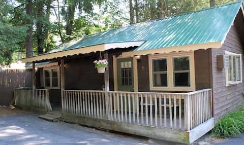 Adirondack Cottage at Green Haven Resort