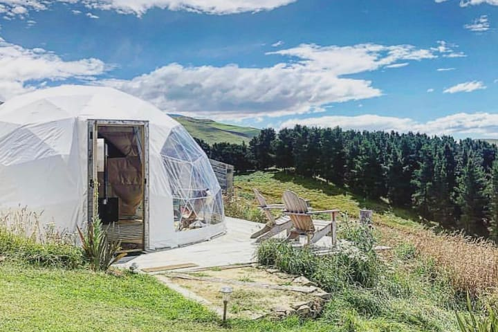 Valley Views Glamping - 'Te Kohurau' Geodome tent