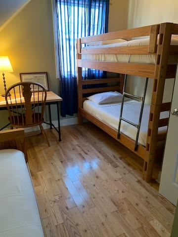 Bedroom. 1 bunk, 1 twin bed, desk
