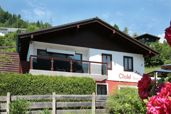 Lovely Chalet with Pool and and Sauna in Kaprun