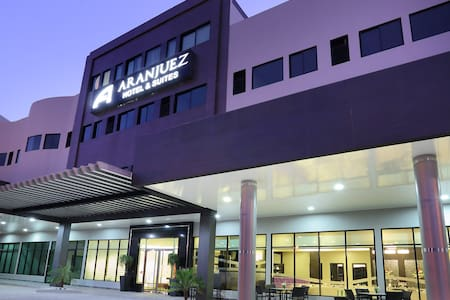Aranjuez Hotel & Suites - Standard Parking Level - David - Szoba reggelivel