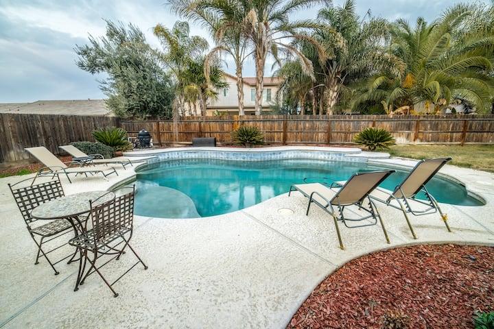 Resort Living at Your Fingertips