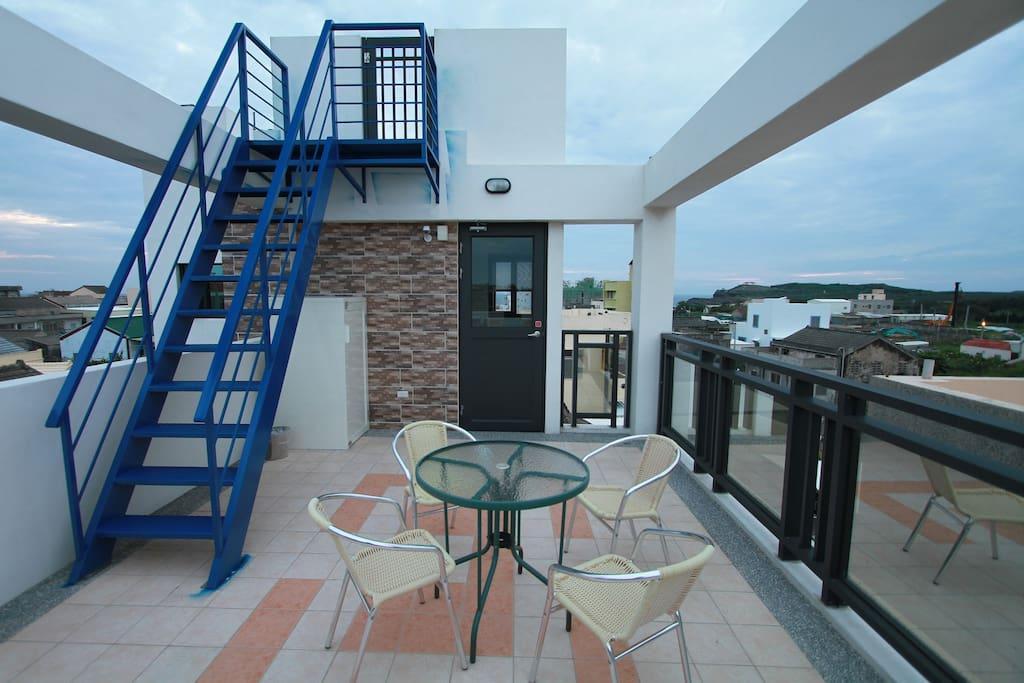 從陽台可以遠眺海景