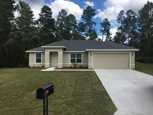 Entire New Home Privileged Area Ocala,Florida.