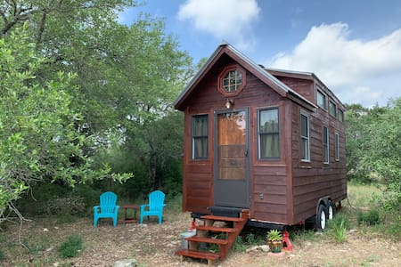 Tiny Cabin in Hill Country on 1.5 Acres