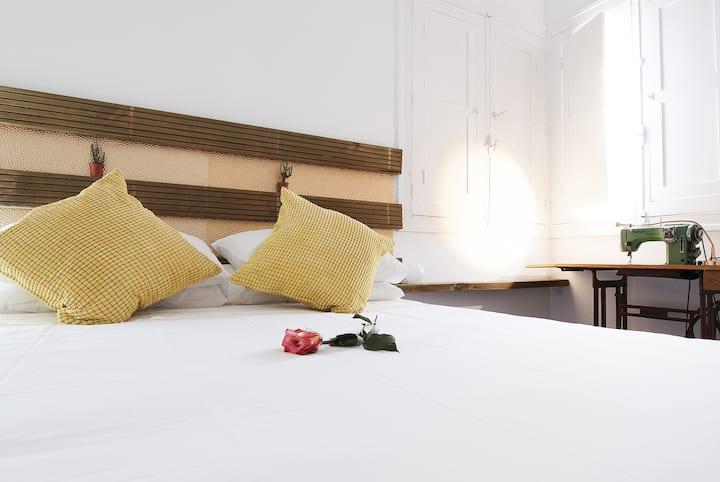 "Room""Sombrero""-GH Katanka"