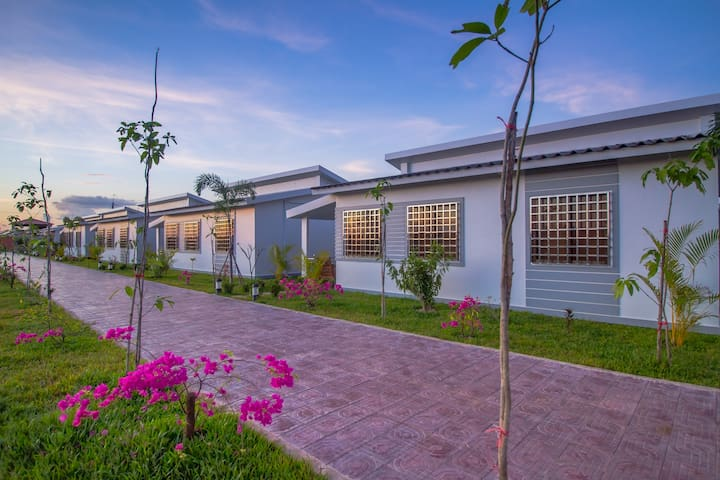 Family Villa with Lotus Farm view + Free pick up