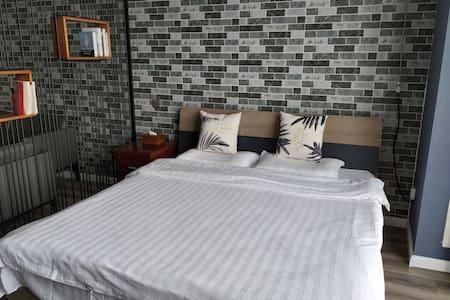 清新雅居情侣酒店式公寓