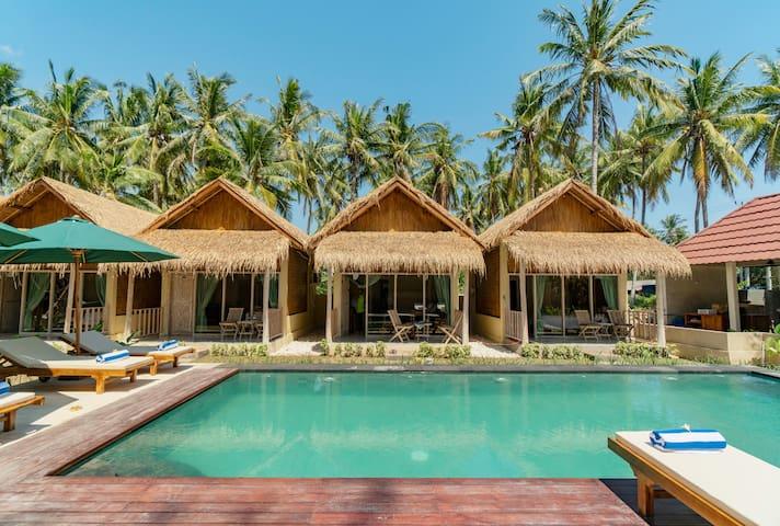 Hell tropische Kabine mit einem geräumigen Pool *4