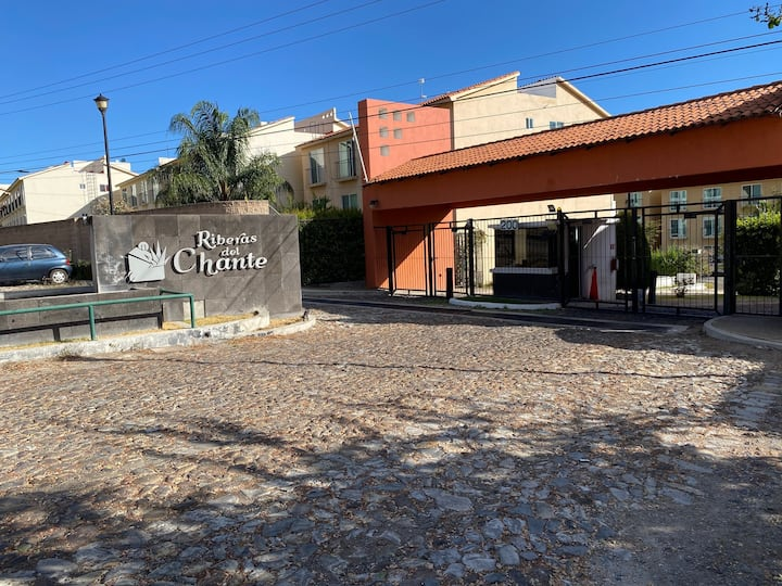 """""""Confortable Departamento en Riberas del Chante"""""""