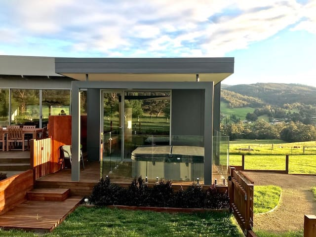 Highland Getaway Spa suite & ATV farm tour