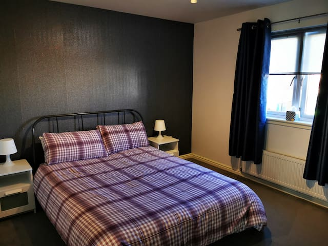 Spacious king size room with private en suite
