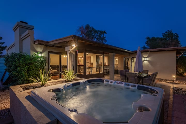 PRIVATE PARADISE VALLEY OASIS ➯ PRIVATE POOL ✔️ HOTTUB ✔️ BBQ