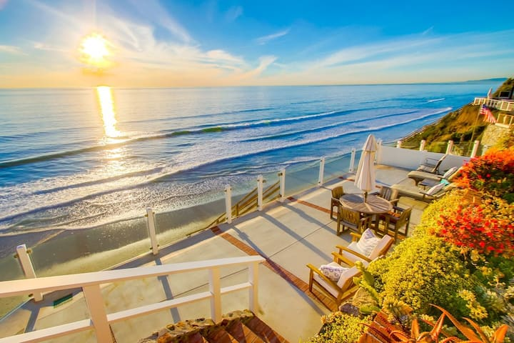 55' of Ocean Frontage ☆ Private Beach Access ☆ AC