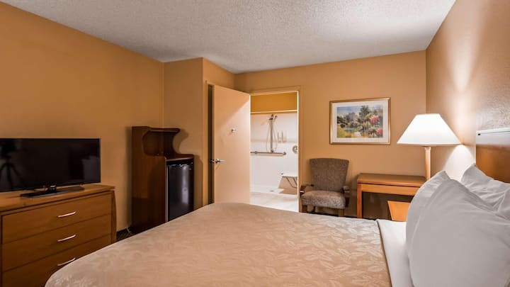 Compact Room Two Double Beds Non Smoking At Verde Village