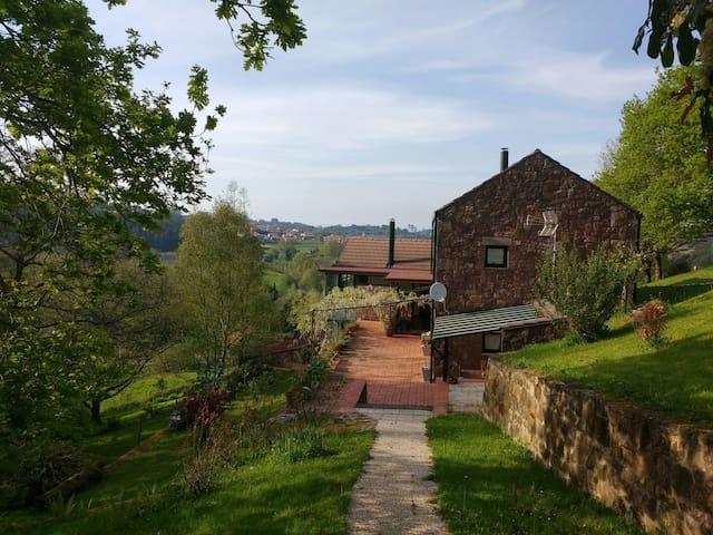 Casa en Cantabria cerca Santander en Piélagos - Cantabria - Dağ Evi